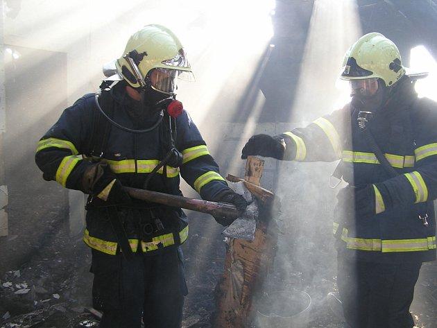 Požár rodinného domku v Dolní Rovni si vyžádal škodu přes milion korun