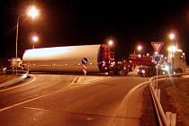 Obchvat Holic zablokoval ve čtvrtek večer nadměrný náklad. Kde asi udělali soudruzi z NDR chybu...?
