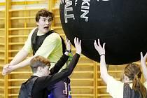 Kin-ballová utkání žáků základních a středních škol z Pardubického kraje