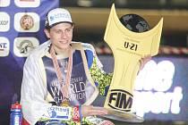 Vítězem Mistrovství světa jezdců do 21 let se na pardubickém plochodrážním stadionu stal polský jezdec Bartosz Smektala.