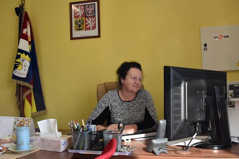 Starostka Marie Kesnerová dohaduje jen 30% volební účast.