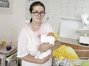 KAREL ČERNÍK se narodil 15. července ve 2 hodiny a 10 minut. Měřil 45 centimetrů a vážil 2300 gramů. Rodiče Adéla a Daniel bydlí v Radhošti.