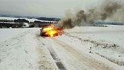 Letos již hasiči vyjížděli k 12 požárům aut.