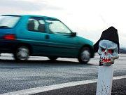 Tragedie ve Stéblové. Návěs k převozu automobilů usmrtil muže.