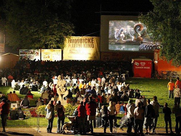 Letní kino v Pardubicích.