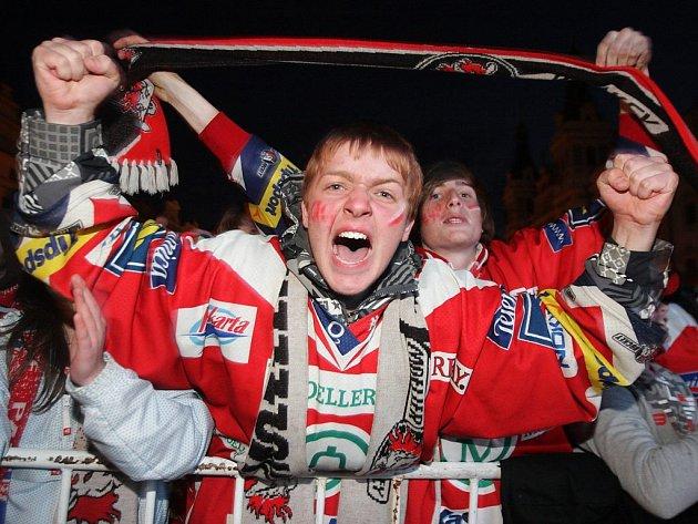 Radost v Pardubicích vybuchla naplno! Pardubičtí hokejisté jsou mistři extraligy!