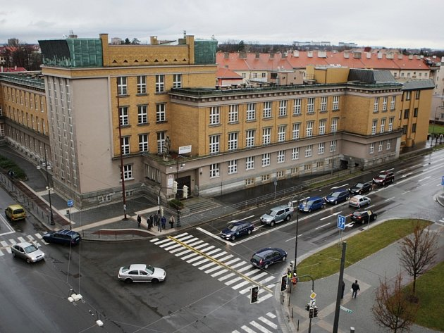 Střední průmyslová škola elektrotechnická a Vyšší odborná škola na ulici Karla IV.