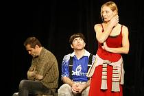 Divadelní představení Láskou posedlí v podání divadla Ungelt