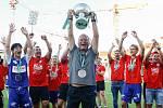 Oslavy titulu mistra Fobalové národní ligy týmu FK Pardubice.