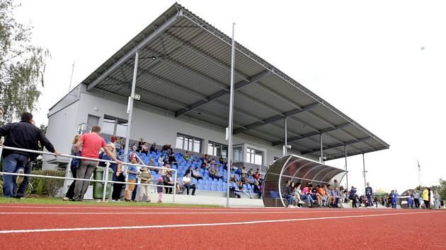 Problematická rekonstrukce stadionu v Přelouči je hotová.