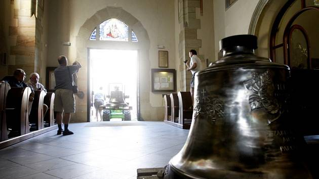 Pardubický kostel svatého Bartoloměje má opět zvony