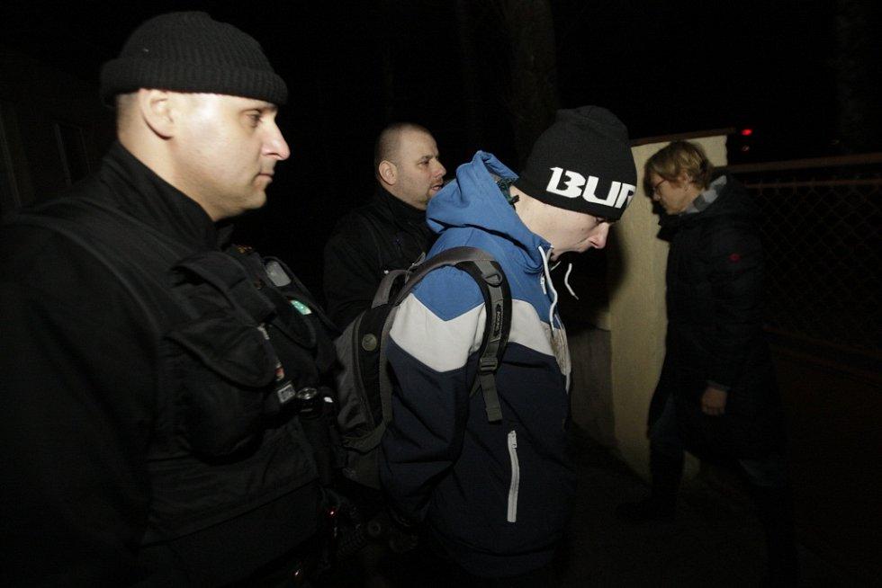 Pachatele strážníci předali státní policii. Ten den již podruhé.
