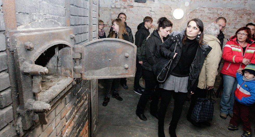 Krematorium otevřelo své brány.
