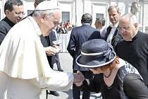 Papež František se setkal s Miluší Horskou