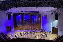 Komorní filharmonie musela zrušit koncerty, ale na diváky nezapomněla.
