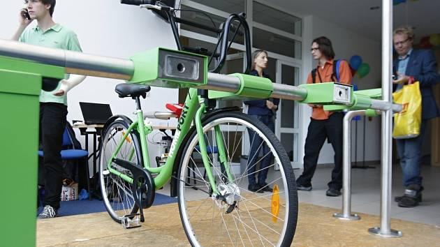 Kompletní bikesharingový systém pro celé město byl představen jako novinka pro Cyklokonferenci konanou v areálu Univerzity Pardubice.