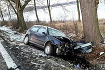 Vážná dopravní nehoda u Heřmanova Městce si v pondělí ráno vyžádala pět zraněných.