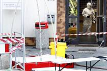 Bezpečnostní opatření kolem pardubické univerzity byla kvůli podezření na výskyt viru ebola vysoká.