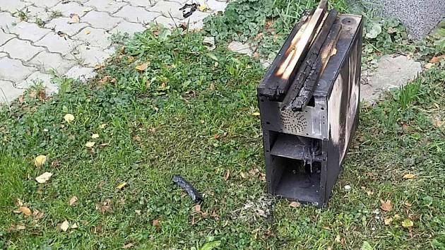Požár počítače ve sklepě domu někdo podle hasičů založil.