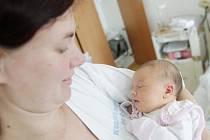 Anežka Řehounková se narodila 25. března v 15:54 hodin. Měřila 48 centimetrů a vážila 2990 gramů. Maminku Kláru u porodu podpořil tatínek Vladimír a rodina je z Rokytna.