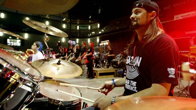 Festival BumBum - to byl slet bubeníků v Pardubicích