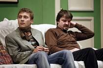 Brilantní konverzační komedie divadla Kompanyje, ve které břitký anglický humor ani v těch nejbláznivějších situacích neztrácí svou noblesu a eleganci.