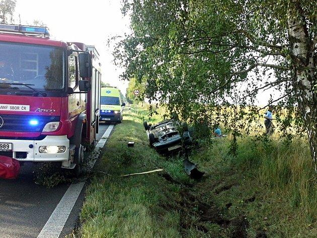 Ve vozidle byly při nehodě zraněny také dvě děti