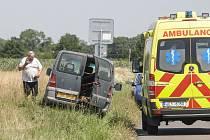 Viník nehody Jan Karel na místě tragédie, kde vozidlem usmrtil tehdy 43letou Marcelu C. a jejího sedmiletého syna vážně zranil.