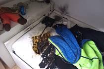 Klučina uhasil plameny pomocí oblečení