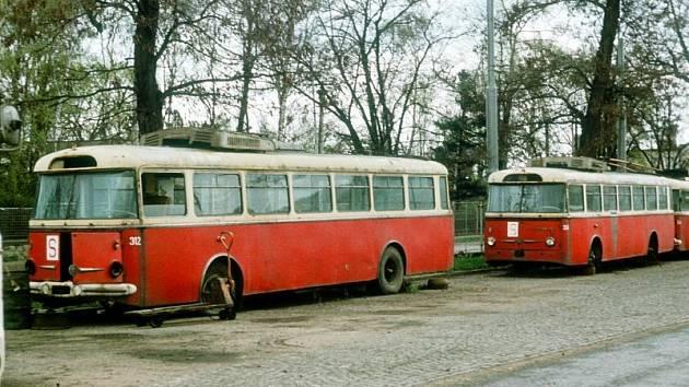 Historický snímek trolejbusu Škoda 9Tr