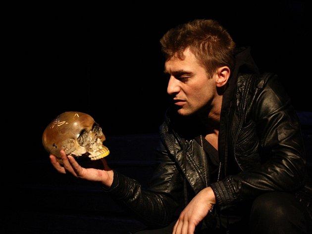 V titulní roli Hamleta se představí Josef Pejchal