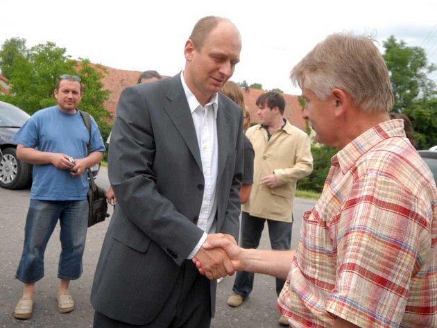 Ministr Petr Gandalovič navštívil Tisovou.