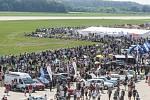 Aviatická pouť na pardubickém letišti, kde součástí programu bylo i Red Bull Air Race Demo poprvé v České republice.
