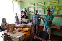 Školáci v Koločavě získali díky sbírce nové počítače a učební pomůcky.