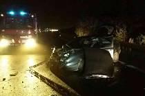 Srážka tří vozidel u Medlešic.