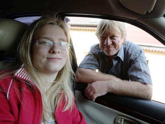Tereza Skalická složila v Přelouči řidičské zkoušky bez problémů. Na vlastní auto ale bude ještě chvíli čekat.