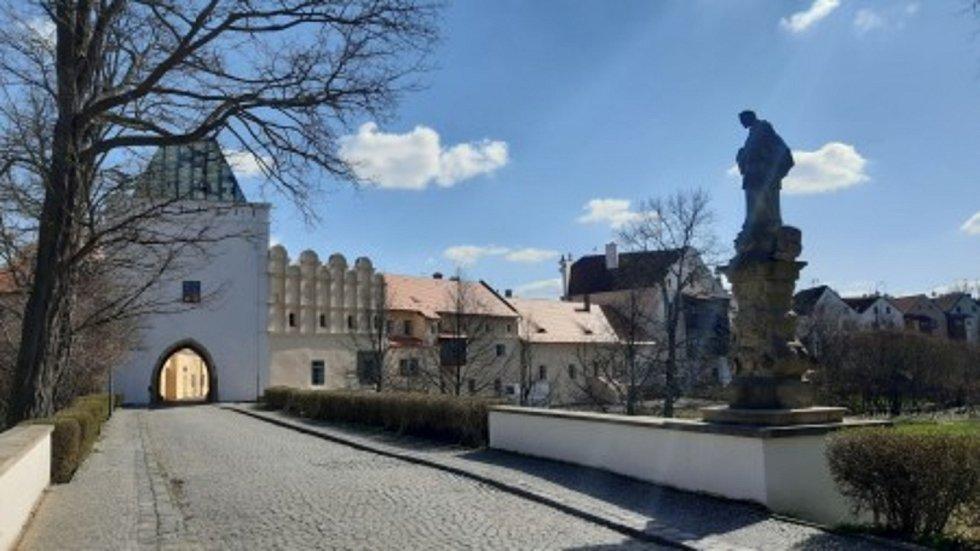 Příhrádek, Pardubice