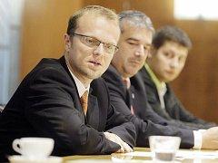 Martin Netolický představil nové složení vlády Pardubického kraje po volbách 2012