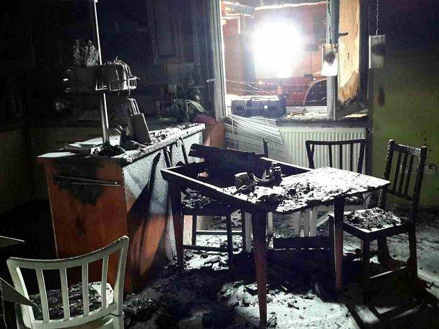 V noci hořela novostavba v Brlohu