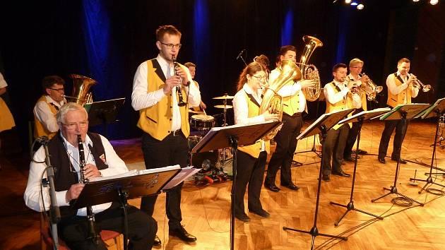 Jarní koncert Pernštejnky se vydařil.