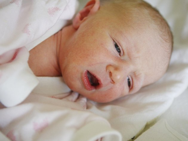 Adéla Procházková se narodila 18. září v 8:50 hodin. Měřila 48 centimetrů  a vážila 2800 gramů. Maminka Lenka a tatínek Filip jsou z Pardubic.