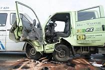Čelní srážka na silnici u Stéblové. Zraněním ji odnesli čtyři lidé.