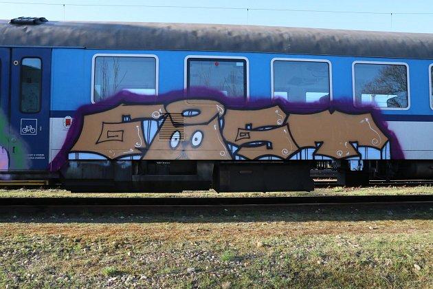 Škoda na posprejovaném vlaku byla vyčíslena na 20000korun.