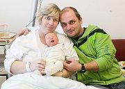DAVID LANTA se narodil 9. října v 18 hodin a 5 minut. Měřil 51 centimetrů a vážil 3700 gramů. Maminku Pavlínu podpořil u porodu tatínek Michal. Doma v Horní Rovni na nového sourozence čeká šestiletý Tomáš.