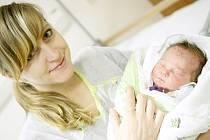 Vendelín Kočnar se narodil 9. prosince v 9:44 hodin. Měřil 51 centimetrů a vážil 3560 gramů. S maminkou Petrou bude bydlet v Pardubicích.