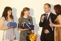 Ceny Pardubického kraje 2014. Veronika Kolafová získale cenu Michala Rabase za záchranu života.