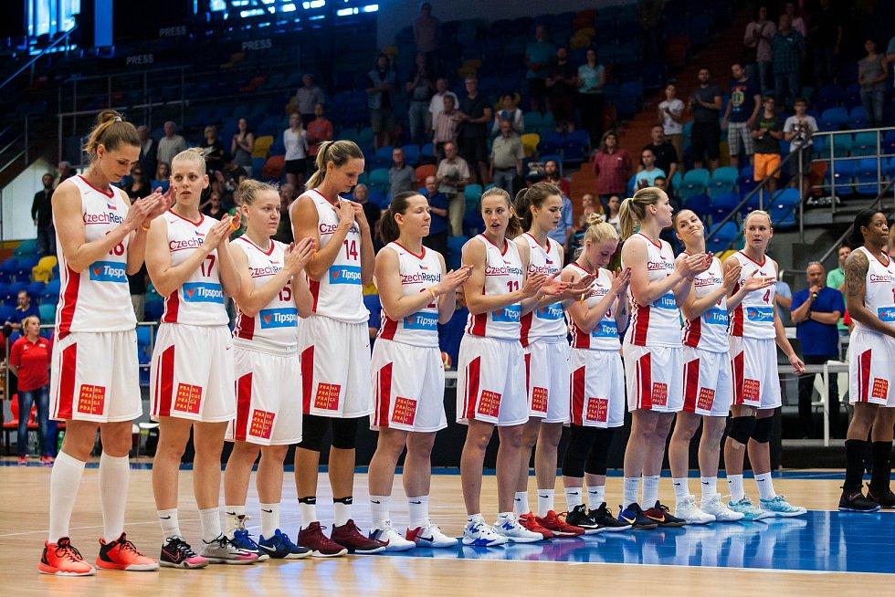 Basketbalistka Petr Kulichová v přípravném utkání Česko - Chorvatsko.