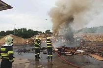 Požár skládky v Dražkovicích