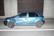Jízda v protisměru a následná havárie se naštěstí obešla bez zranění. Ne už ale bez škod na vozidlech.