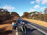 Jan Kovář našlapal přes Austrálii přes 8500 kilometrů. Ne každá cesta ale vypadá takhle.